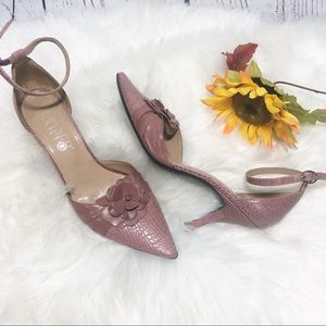 Franco Sarto pointy toe leather heels  pink 6.5